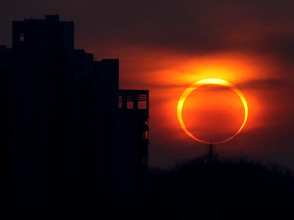 annular-eclipse-sun-moon-this-saturday-may-2012_53394_600x450